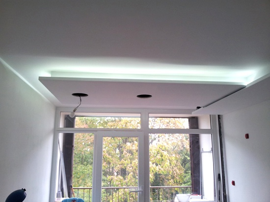 Eclairage led complet d 39 une cuisine led 39 s go for Installer ruban led plafond