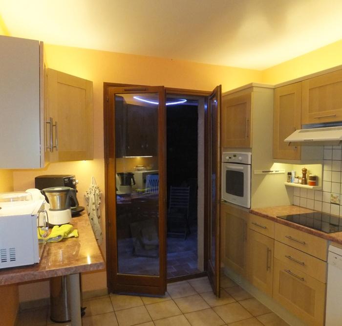 eclairage led plan de travail led 39 s go. Black Bedroom Furniture Sets. Home Design Ideas