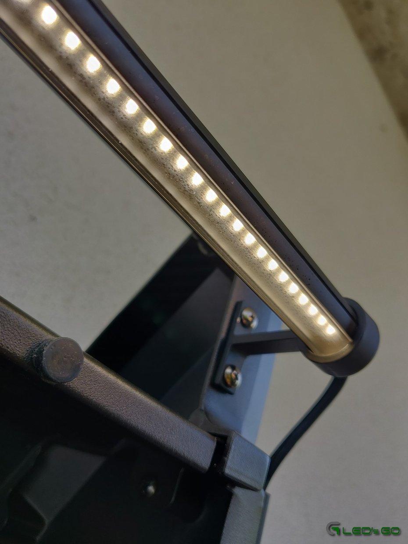 Barre LED pour éclairage d'un barbecue