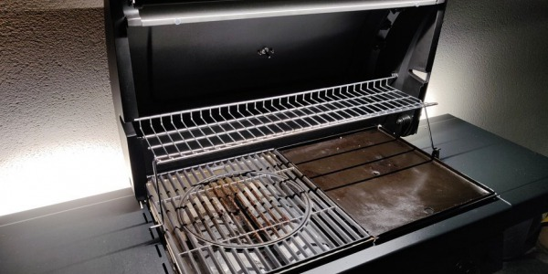 Eclairage LED d'un barbecue plancha (BBQ)